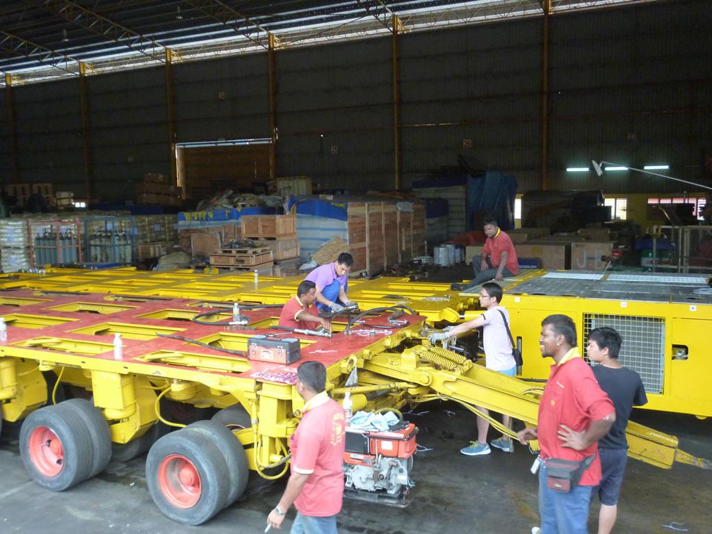Cometto 1M hydraulic platform trailer