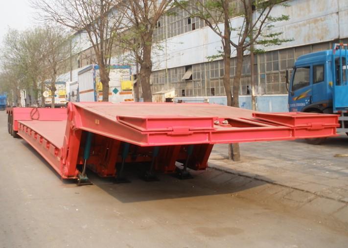 Folding neck lowbed trailer