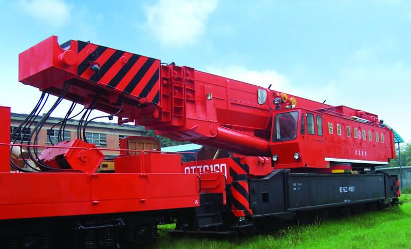 Railway wrecking crane