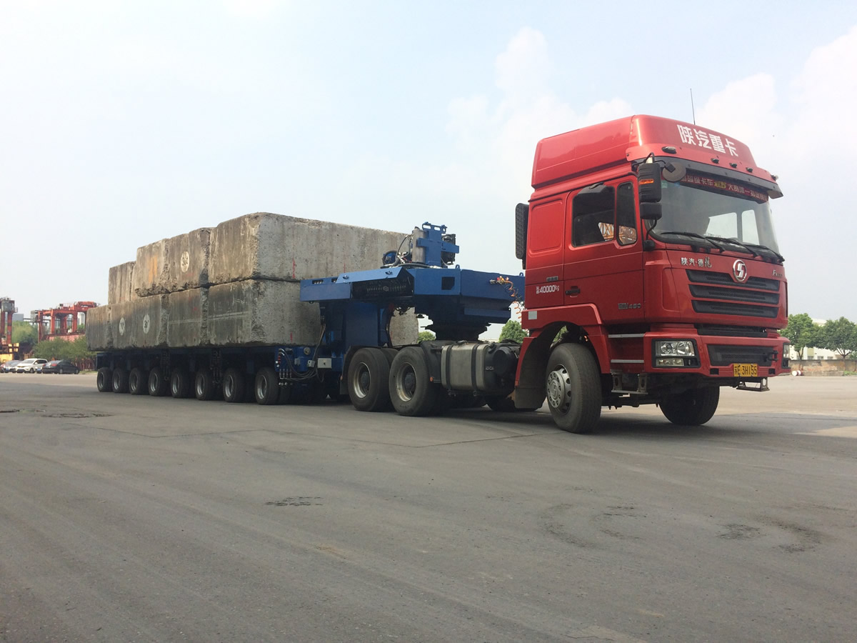 Load test of Goldhofer trailer