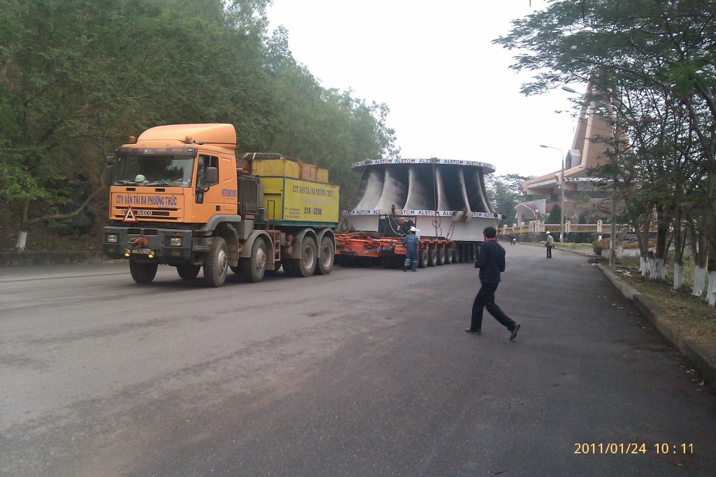 Water turbine transport in Vietnam