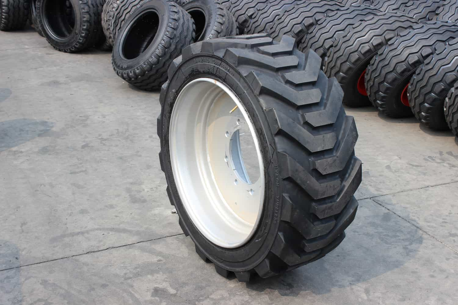 355/55D625 PU foam filling rubber tire