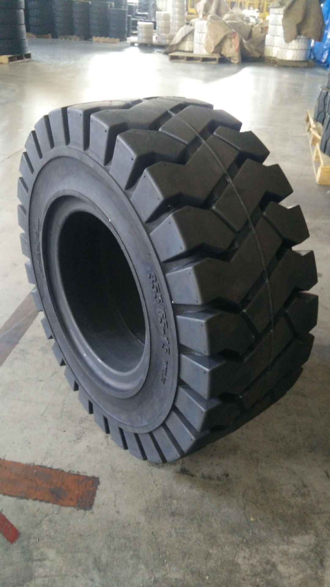 355/65-15 tubeless tire for sale