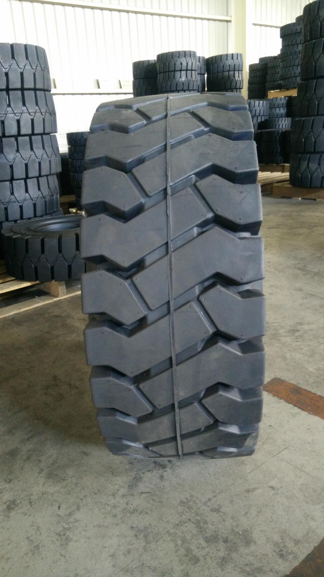 355/65-15 tyre in warehouse