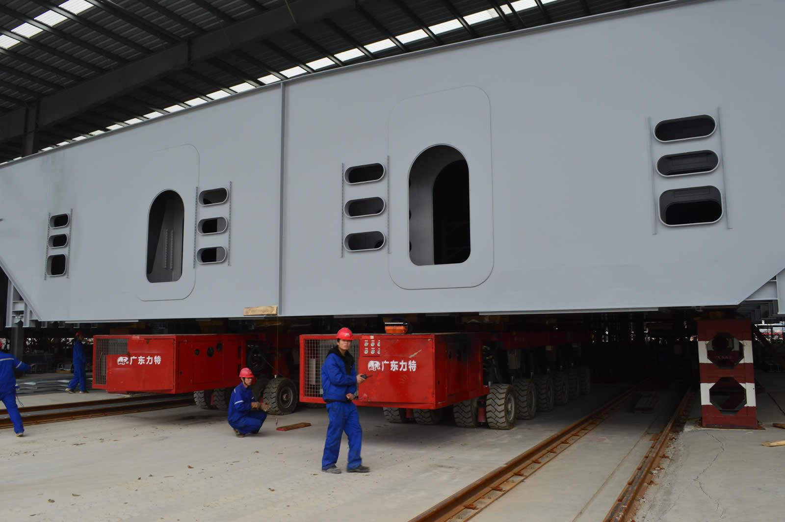 SPMT运输港珠澳大桥钢结构