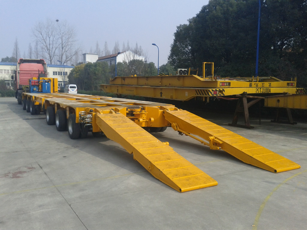 Hydraulic ramp for hydraulic lowbed trailer
