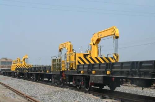 Railroad flatcar crane