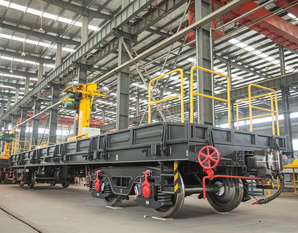 Railway flatcar crane