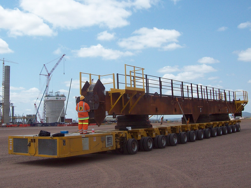 Self propelled modular transporter